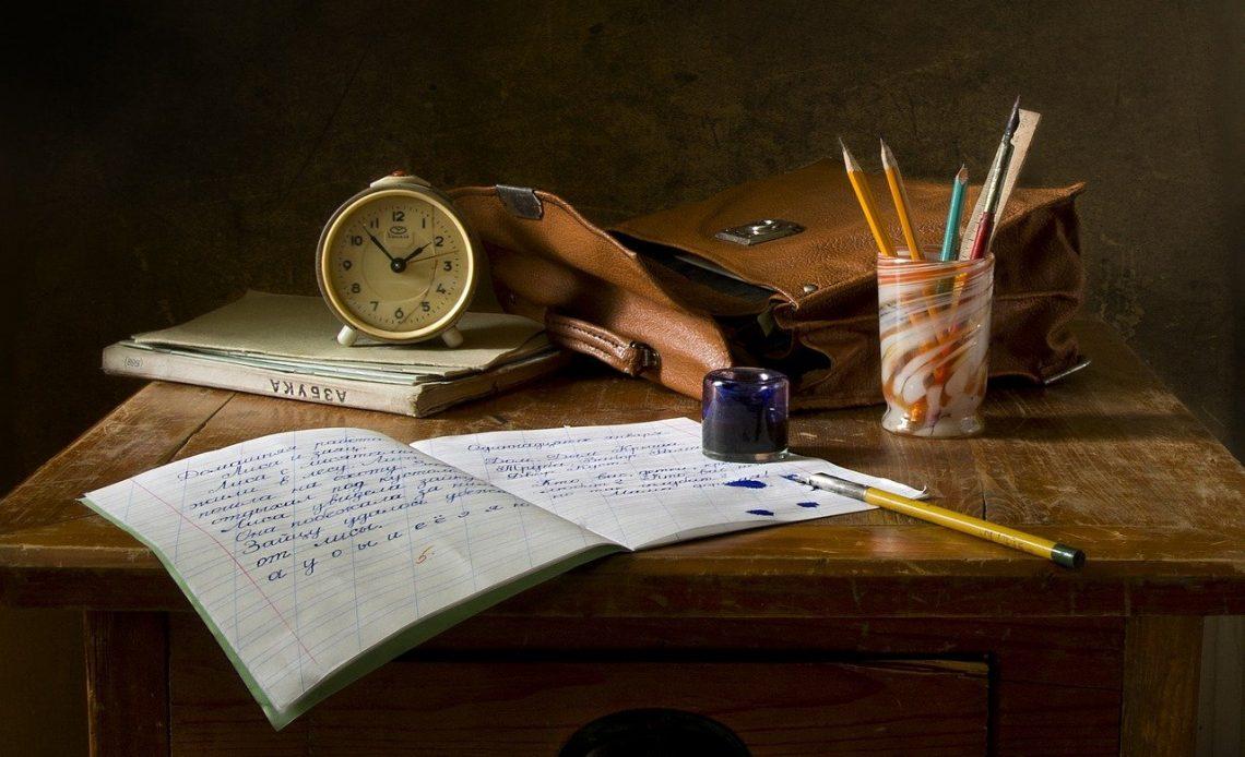 School Work Write Still Life Assignment Pen